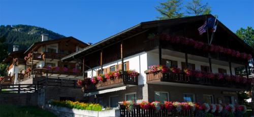 ITALIJA, Dolomitinės alpės: AI PINI HOTEL (VIGO) 3 *,  vasario 24 d. 7 n. nuo 542,50 EUR