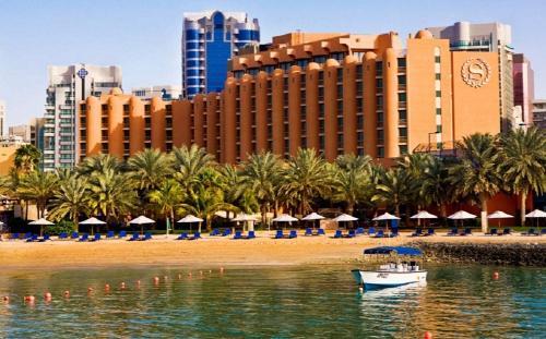 Dubajus: SHERATON ABU DHABI  HOTEL &  RESORT 5*, sausio 24 d. 7n. nuo 728,50 EUR